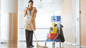 sprzątanie hal przemysłowych